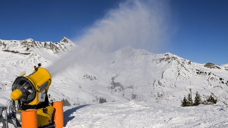 Tout ce que vous devez savoir sur ces canons à neige de plus en plus incontournables