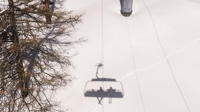 Respect des mesures sanitaires: des «Covid Angels» pour veiller sur les skieurs en Valais