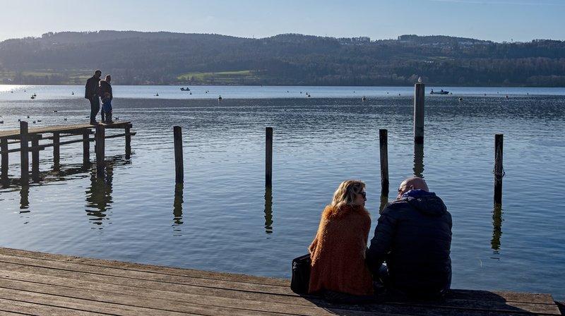 La hausse de l'ensoleillement hivernal profite surtout aux régions de plaine et au Plateau. Ici au bord du Greifensee, dans le canton de Zurich.