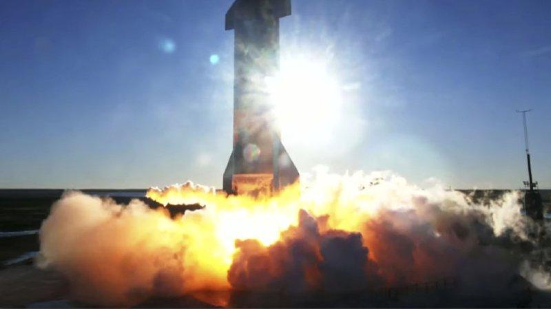 Espace: le prototype de SpaceX a volé… Et s'est écrasé