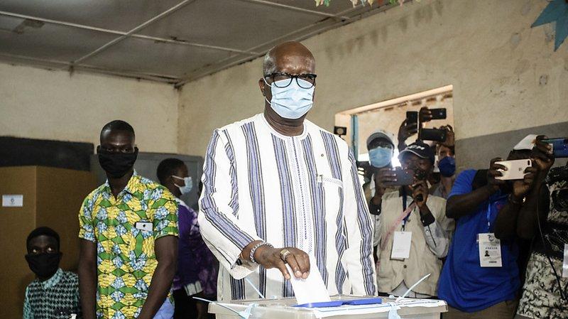 Présidentielle au Burkina Faso: Roch Marc Kaboré réélu au 1er tour…