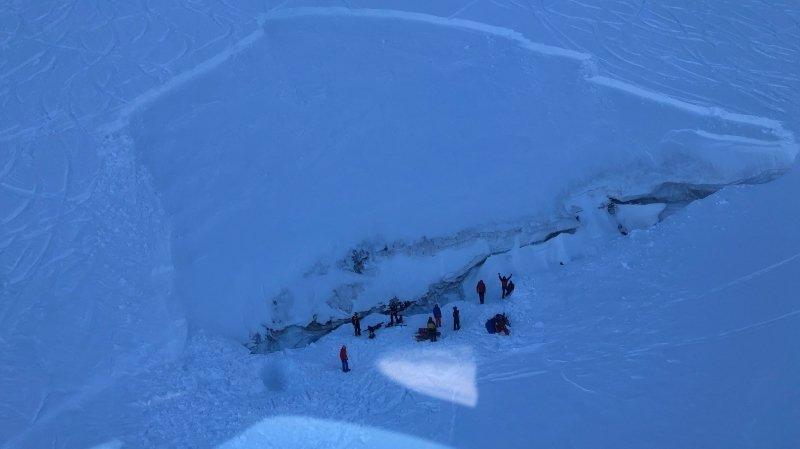 Une avalanche mortelle emporte un snowboardeur à Saas-Fee