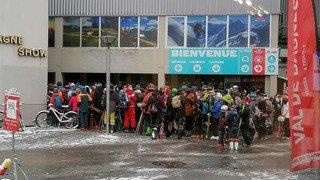 Des photos de skieurs amassés au départ de Téléverbier font polémique. A raison pour Christophe Darbellay