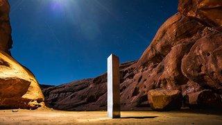 Etats-Unis: le mystérieux monolithe a été évacué dans une brouette