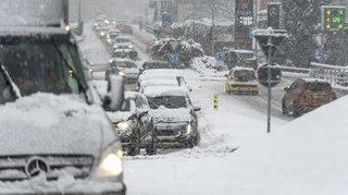 Neige et danger d'avalanche: le trafic perturbé dans les Alpes