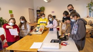 Coronavirus: les élèves de la CSSP de Sion livrent les courses à domicile