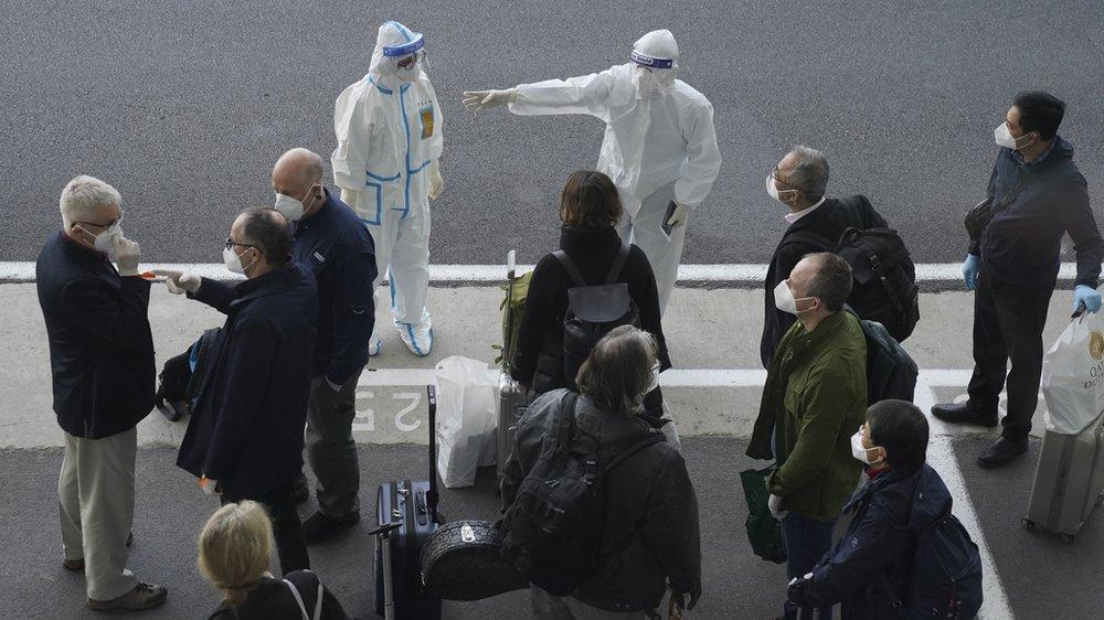 Les experts de l'OMS sont arrivés ce jeudi à l'aéroport de Wuhan.