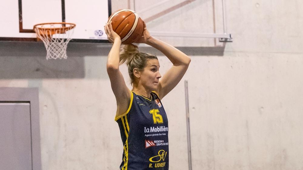 Nora  Nagy-Bujdoso et Troistorrents ont été dominées physiquement par Elfic.