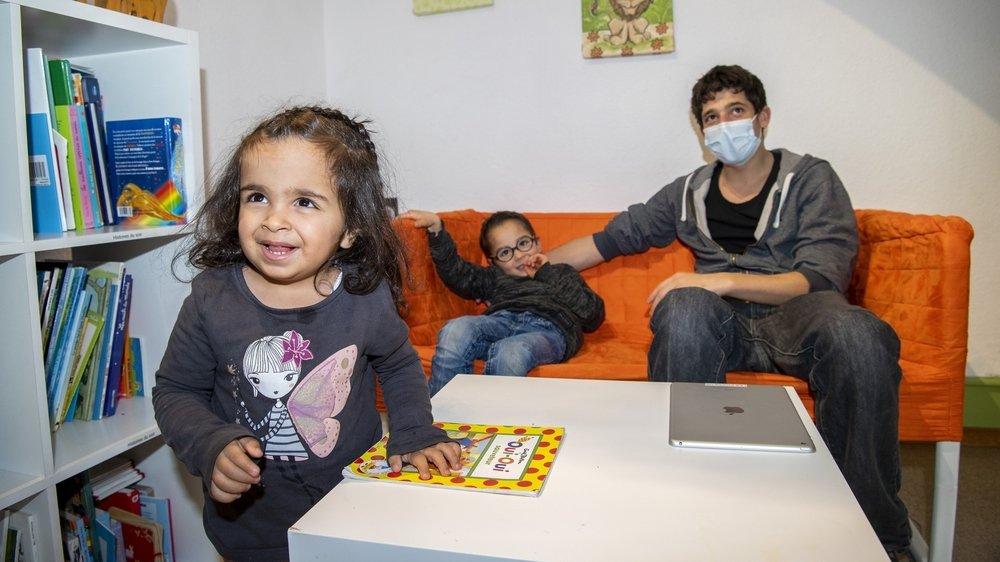 A la Chaloupe, c'est comme une vie de famille pour les jeunes résidents, comme pour Maria (2 ans), la plus jeune des Piccolos.
