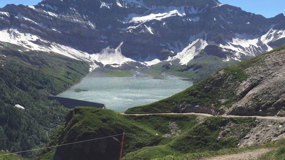 Avec Salanfe SA - le lac de Salanfe sur notre photo - le premier cas d'échéance de concessions soumis à la loi révisée passe une première étape dans le Valais romand.