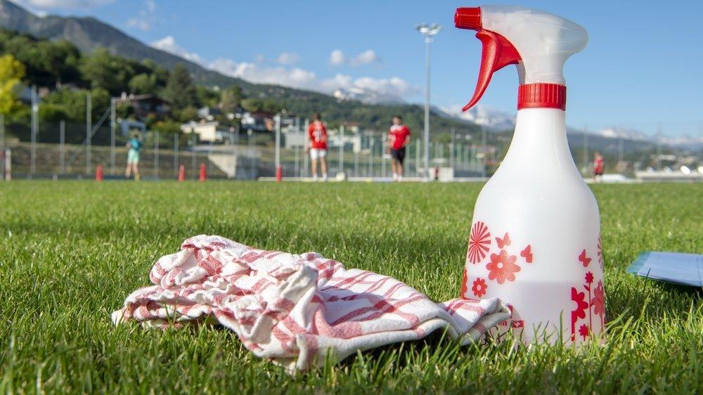 Le foot amateur valaisan espère pouvoir au moins valider le championnat en cours en terminant en fin du printemps le 1er tour ce qui représente encore 150 matchs à jouer.