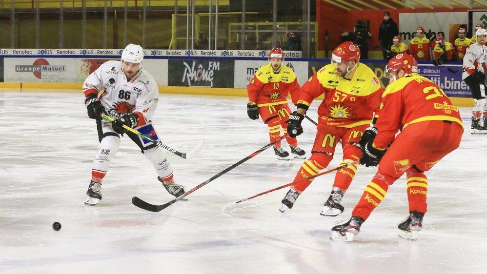 Haberstich peut patiner en toute sérénité vers la cage. Il n'est pas inquiété par les joueurs du HC Sierre.
