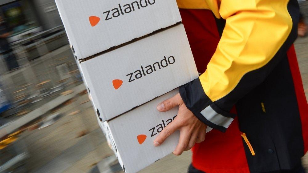La jeune femme faisait livrer des habits, via Zalando et d'autres sites, chez des connaissances, laissant ses amis se débrouiller avec les factures. Tout en vidant les comptes bancaires de ses parents.