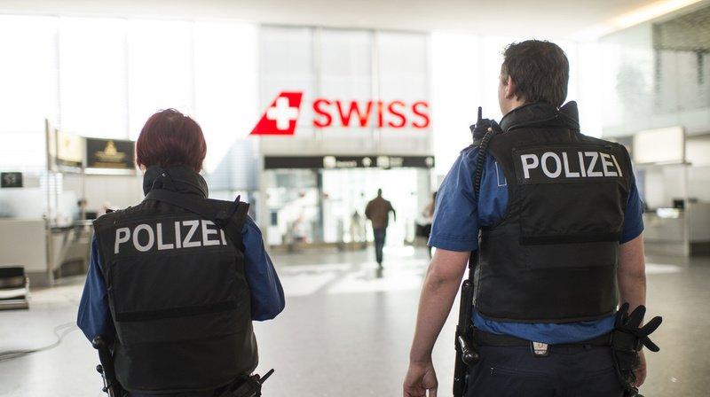 Coronavirus: testée positive en Valais, une touriste est arrêtée à l'aéroport de Zurich