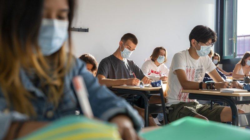 Coronavirus: les lycées devraient fermer au plus vite, selon l'épidémiologue Marcel Tanner
