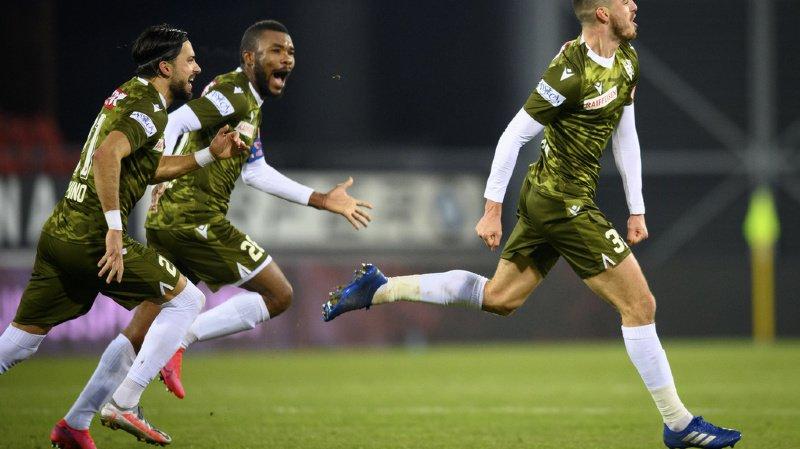 Le défenseur valaisan Ayoub Abdellaoui célèbre son but du 2 à 1 contre Vaduz.