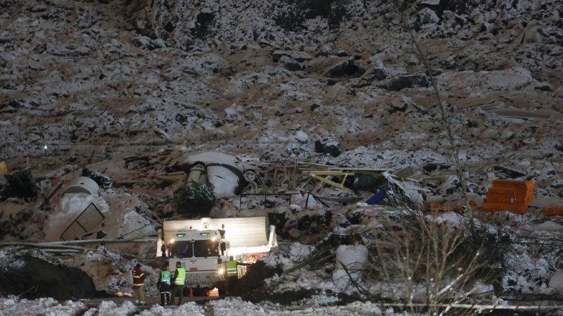 A Ask, dans la municipalité de Gjerdrum, à 25 km au nord-est d'Oslo, la terre s'est affaissée tôt le 30 décembre, entraînant avec elle une dizaine de maisons et 31 logements, et causant l'évacuation d'un millier de personnes.