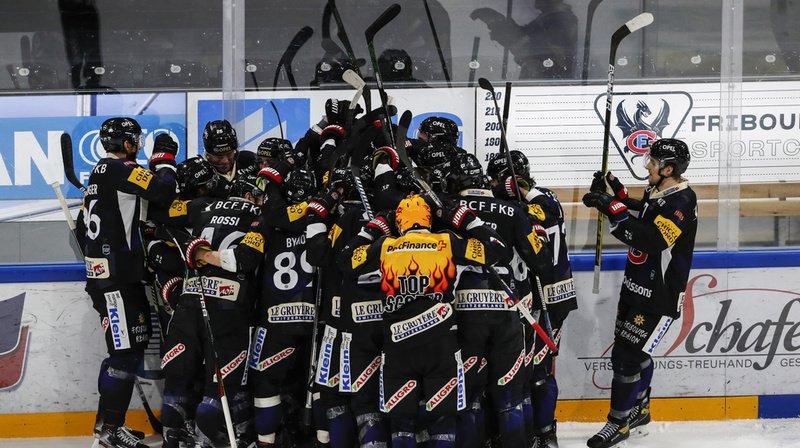 Hockey: Fribourg renverse Davos, Genève s'incline face à Ambri
