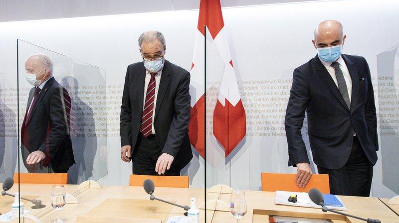 Coronavirus: face aux incertitudes du variant, la Suisse referme cinq semaines