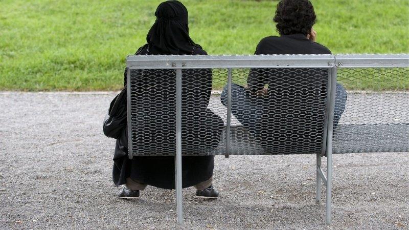 Voile intégral: le Conseil fédéral rejette l'initiative populaire anti-burqa