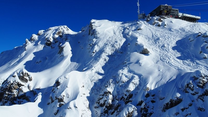 Verbier: dix skieurs hors-piste pris par une avalanche – 1 mort