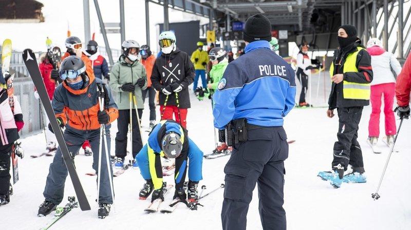 Nendaz: surveillés de près, les skieurs jouent le jeu face au Covid