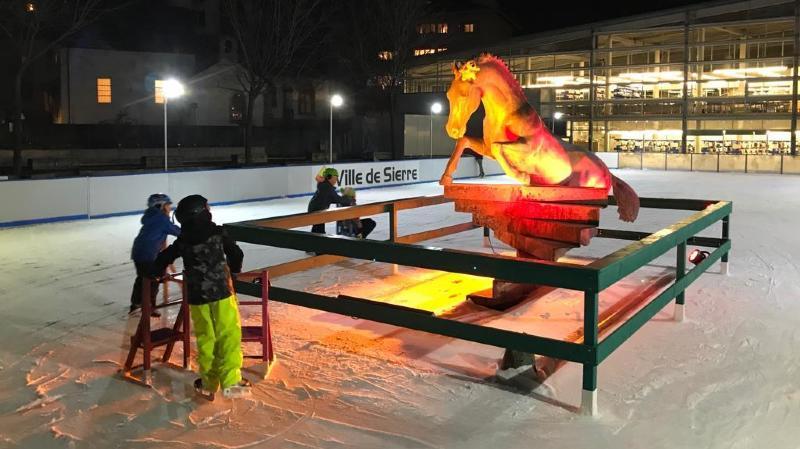 A Sierre, la patinoire du Cheval est ouverte et a doublé sa surface de glace pour cet hiver.