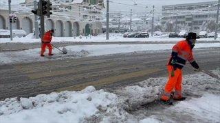Zurich: la neige bloque bus et trams