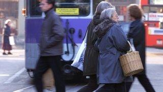 Les femmes suisses vivent en moyenne 4 ans de plus que les hommes, mais en moins bonne santé