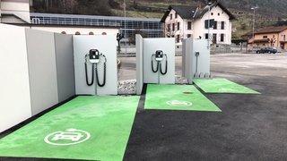 Grône: trois bornes de recharge équipent le nouvel éco-point