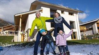Le défi des Carron à Vollèges: ils vivent désormais dans leur maison de paille