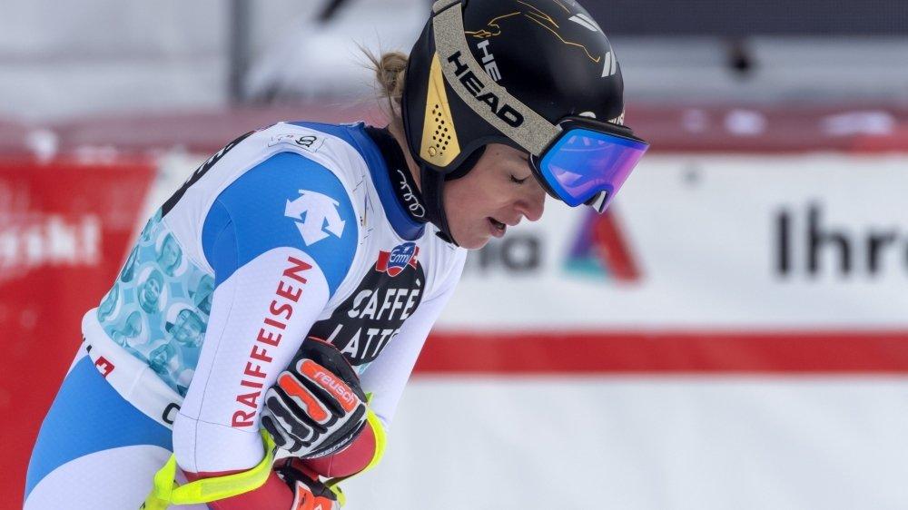 Malgré de fortes douleurs au bassin et au dos, la Tessinoise a signé le deuxième meilleur chrono de la 2e descente de Crans-Montana derrière Sofia Goggia.