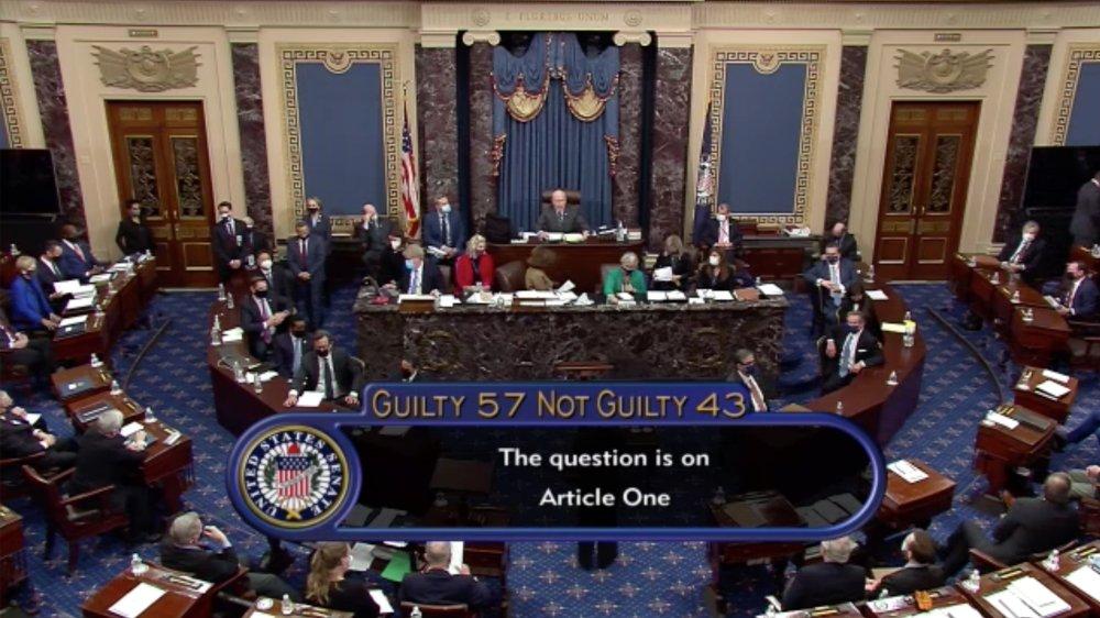 Comme l'indique cette image de la télévision du Sénat américain: 57 élus contre 43 ont estimé que l'ancien président s'était rendu coupable d'incitation à l'insurrection. C'est insuffisant.