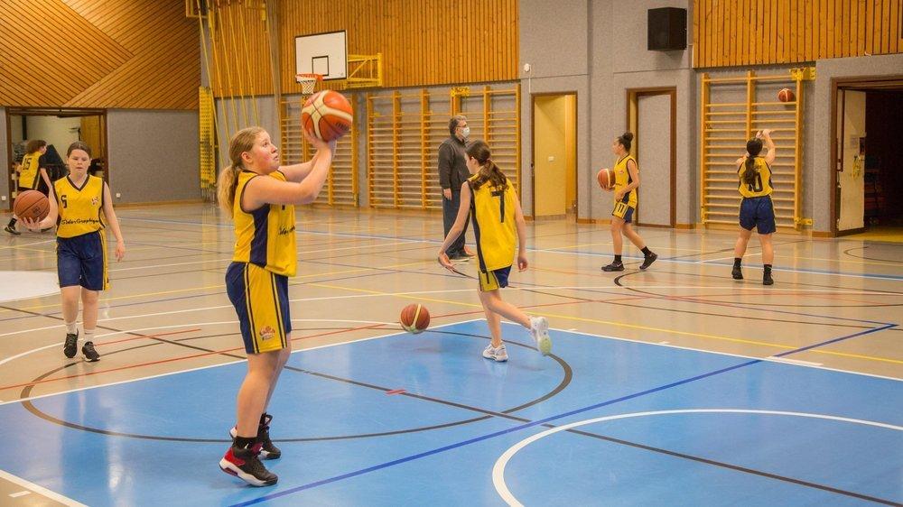 Les jeunes basketteurs, notamment, s'entraînent depuis des mois pour rien, ou presque. Ils sont impatients de retrouver la compétition.
