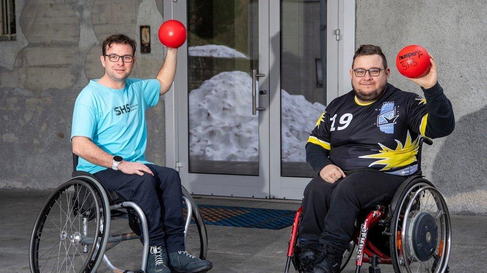 Olivier Praz et Raphaël Vergères, membres de Sport Handicap Sierre, sont impatients de retrouver le chemin de la salle.