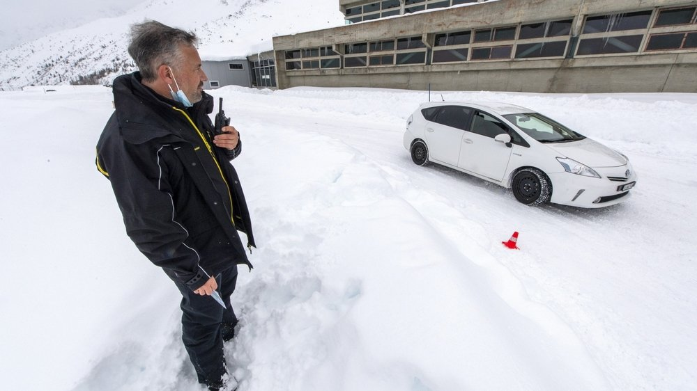Depuis vingt-cinq ans, le TCS propose des cours de conduite sur neige et glace sur sa piste de Bourg-Saint-Bernard. Un anniversaire marqué par plusieurs nouveautés.