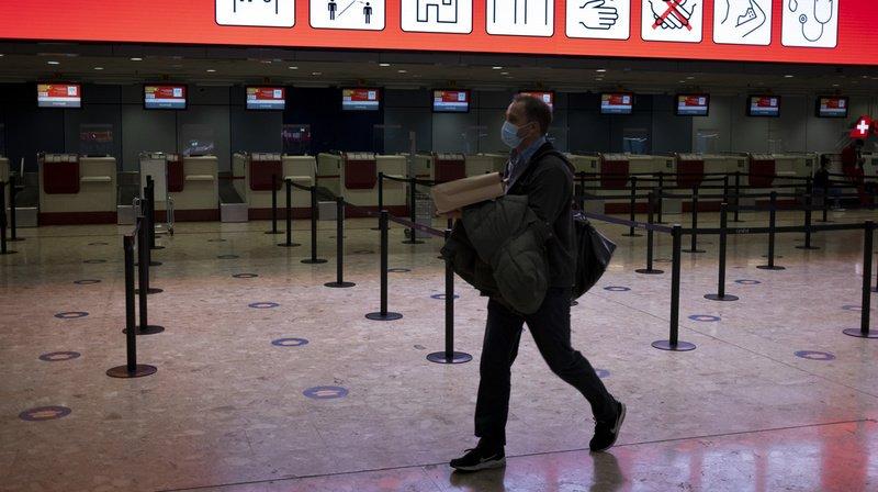 Coronavirus: tests pour les voyageurs et quarantaine raccourcie dès lundi