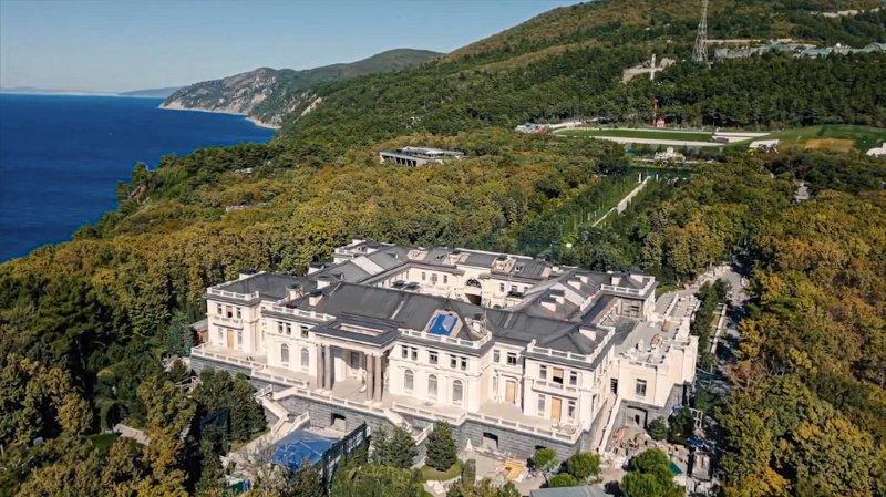 Russie: le milliardaire Arkadi Rotenberg assure être le propriétaire du «palais de Poutine»