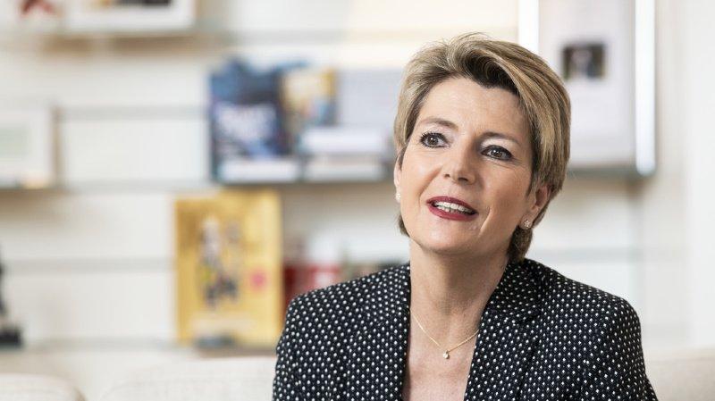 Suffrage féminin: des progrès depuis 1971 en matière d'égalité, estime Karin Keller-Sutter