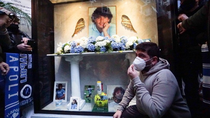 Football: un psychologue et deux infirmiers visés par l'enquête sur la mort de Maradona