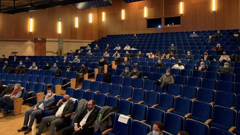 Coronavirus: alors que les rassemblements sont limités, les assemblées primaires font exception