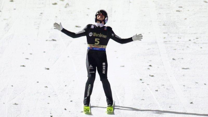 Simon Ammann a inscrit ses premiers points de la saison.