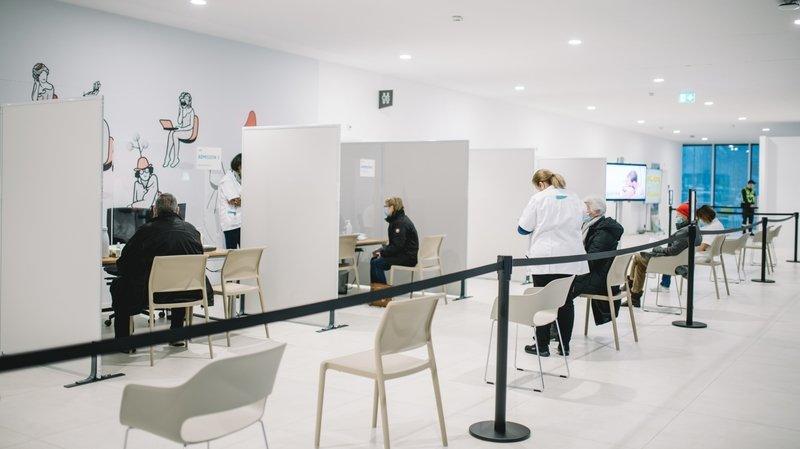 Coronavirus: les premières vaccinations ont débuté à l'Hôpital Riviera-Chablais