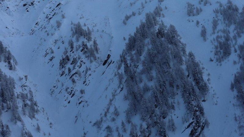 La Fouly: un snowboarder perd la vie hors des pistes