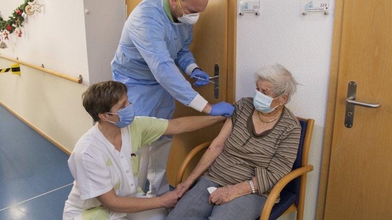 Coronavirus: les homes valaisans exigent de retrouver leur liberté après la vaccination