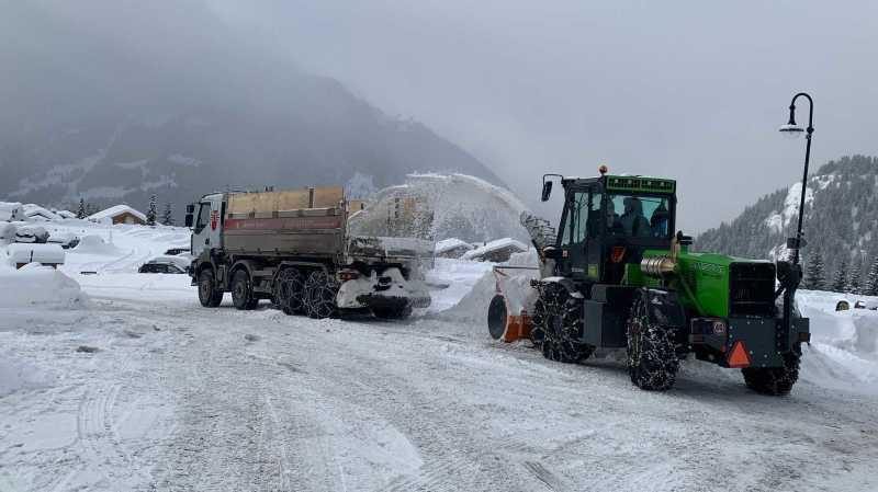 Malgré les fortes chutes de neige, un lundi «plutôt calme» sur les routes valaisannes
