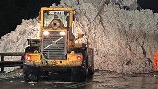 Après une avalanche, le Simplon reste fermé