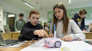 Une classe de 8H de Leytron accueille Thymio le robot