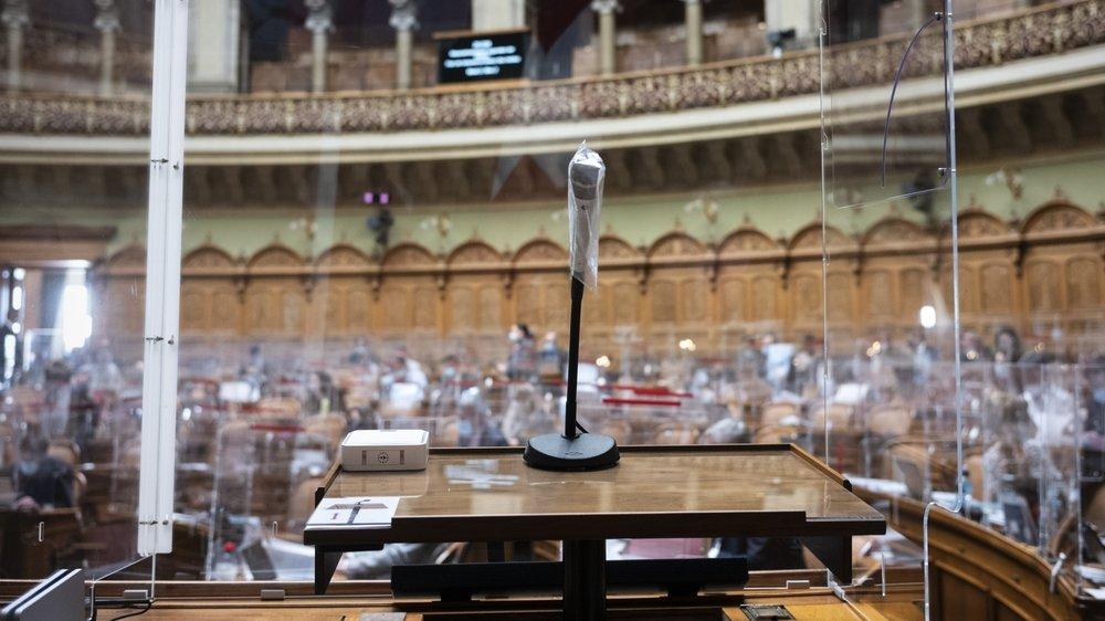 Par 97 voix contre 90, le Conseil national a approuvé hier une déclaration demandant de desserrer l'étreinte face au coronavirus.