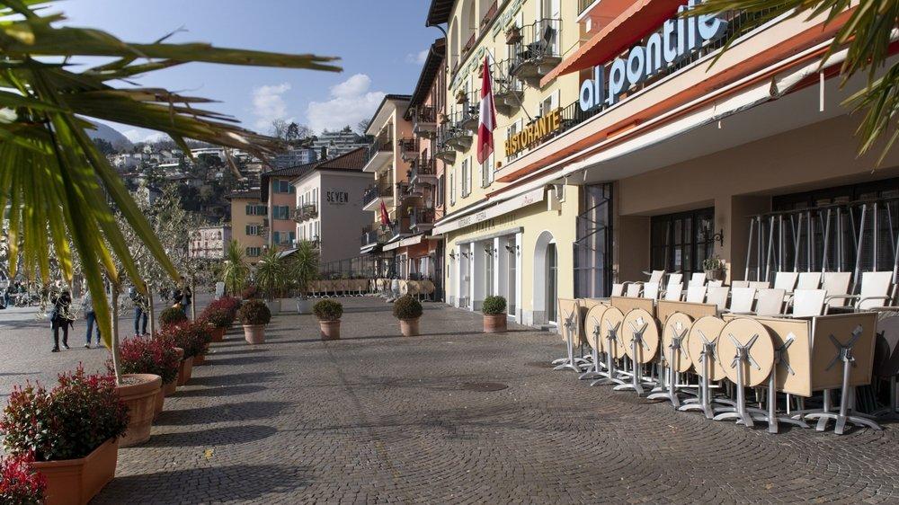Les activités à faible valeur ajoutée, comme le tourisme et la restauration, occupent au Tessin une place  importante.
